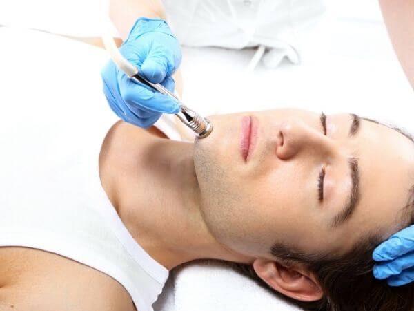 Peeling mecánico para hombres